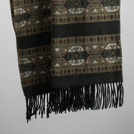 Art. Ruby Wool-Blend Blanket with fringes