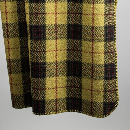 Art. Denver Tweed edged blanket