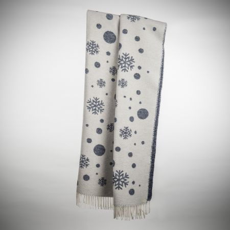 Art. Snowflake Wool-Blend Blanket with fringes